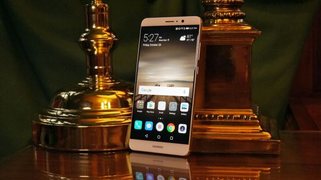 ကင္မရာေကာင္းေကာင္းနဲ႔ စခရင္ ႀကီးႀကီးကိုင္ခ်င္တဲ့သူေတြ သေဘာက်မယ့္ Huawei Mate 9