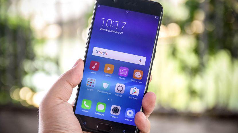 Selfie ကင္မရာကို 20 MP နဲ႔ ထုတ္ထားတဲ့ Oppo R11 စမတ္ဖုန္း