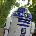 Star Wars ရုပ္ရွင္ fan ေတြႀကိဳက္ႏွစ္သက္မယ့္ ေဒၚလာ ၁၈၀ တန္ R2-D2 စက္ရုပ္ေလး