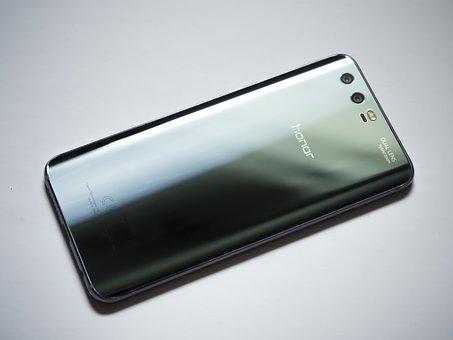 မူပိုင္ခြင့္ အတြက္ တရားရံုးတြင္ ရင္ဆိုင္ေနရရာမွ Samsung အေပၚ Huawei အနိုင္ရရွိ