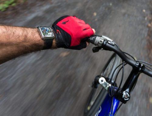 မြစ်ထဲ ရေနစ်နေသူ ၁ ယောက်ရဲ့ အသက်ကို ကယ်တင်လိုက်တဲ့ Apple Watch